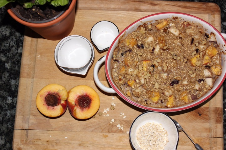Healthy Oatmeal Fruit Bake